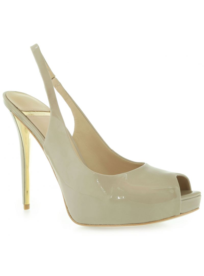 SZPILKI MARCIANO GUESS SATO SLING BACK PATENT BEIGE