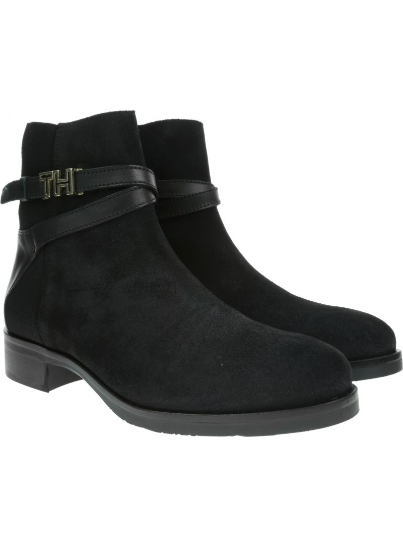 TOMMY HILFIGER Th Hardware Suede Flat Bootie FW0FW04281 990